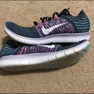 Nike free run fly knit running shoes